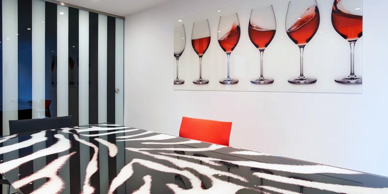glasklar bilder pr gen r ume. Black Bedroom Furniture Sets. Home Design Ideas